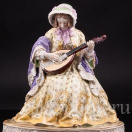 Статуэтка из фарфора Дама с лютней, Carl Thieme, Германия, нач. 20 века.