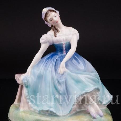 """Фарфоровая статуэтка балерины """"Жизель"""", Royal Doulton, Великобритания, сер. 20 века."""